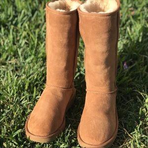 UGG II🍁Classic Tall winter boots Sz 10 women's